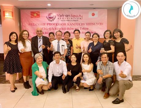 Giáo sư KANEUCHI MITSUNOBU, ông Lã Quốc Khánh cùng các Doanh nhân, Chuyên gia từ các lĩnh vực làm đẹp